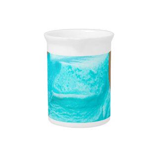 Eiscreme mit Waffelmakro Krug