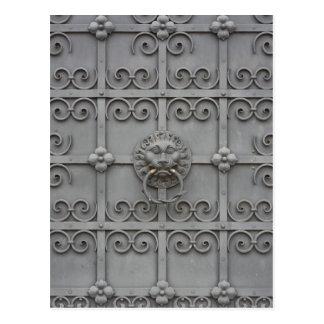 Eisen-Tür mit Löwe Postkarte