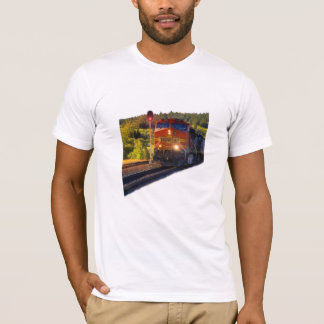 Eisenbahn-Landschaft T-Shirt