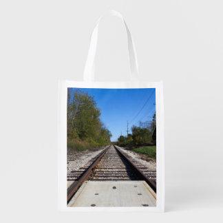 Eisenbahn-Zug spürt Foto auf Wiederverwendbare Einkaufstaschen
