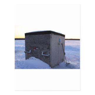 Eisfischenhaus an der Dämmerung Postkarte
