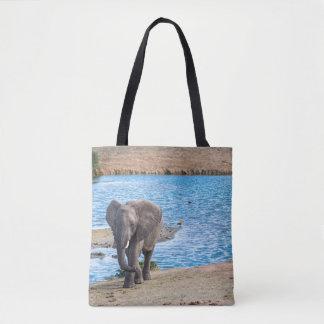 Elefant auf dem See Tasche