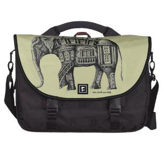 Elefant-Gebäudestift-Tinten-Schwarzweiss-zeichnen Laptoptasche