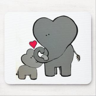 Elefant-Herzen - eine unvergessliche Liebe Mousepad