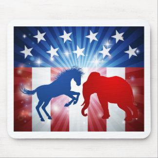Elefant-kämpfendes Esel-Esel-Wahl-Konzept Mousepad