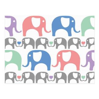 Elefant-Liebe-weiches Pastellmuster mit Herzen Postkarte