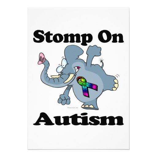 Elefant stampfen auf Autismus-Bewusstseins-Entwurf Personalisierte Einladung