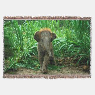 Elefant und Gras Decke