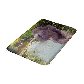Elefant und Wasser Badematte