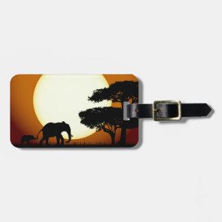 Elefanten am Sonnenuntergang-Gepäckanhänger Gepäckanhänger
