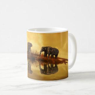 Elefanten an der Sunset Kaffeetasse