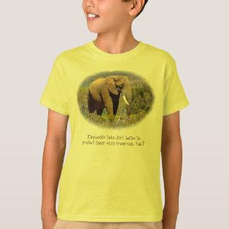 Elefanten vergessen nie…, Lichtschutz zu tragen T-Shirt
