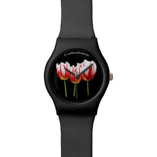 Elegante Ahornblatt-Tulpen Uhr
