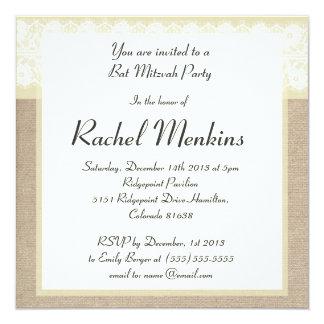 Elegante beige Leinwand-Spitze-Schläger Mitzvah Quadratische 13,3 Cm Einladungskarte