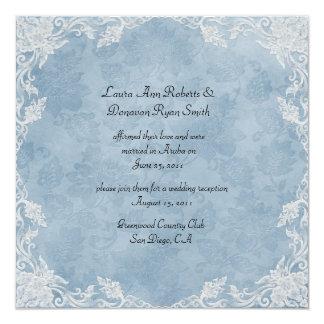 Elegante blaue weiße Blumendamast-Posten-Hochzeit Quadratische 13,3 Cm Einladungskarte