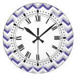 Elegante geometrische lila blaue Zickzack Zickzack Uhr