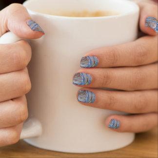 Elegante glänzende silberne blaues minx nagelkunst