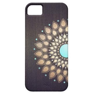 Stöber in den eleganten iPhone 5 Hüllen und gestalte so Deine persönliches Cover, wie nur Du es hast. Wähle aus verschiedenen Farben, Motiven und Modellen.
