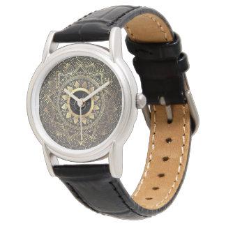Elegante GoldMandalagrafik Uhr
