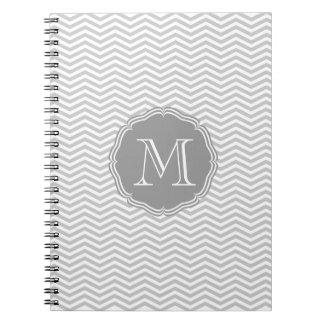 Elegante graue Geometrie von chevrón und monograma Notizbücher
