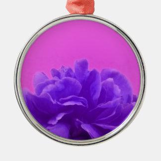Elegante lila Himbeere mit Blumen Silbernes Ornament