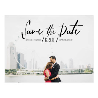 Elegante moderne Kalligraphie Save the Date Postkarte