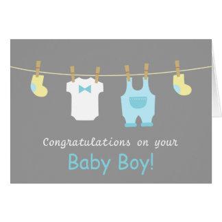 Elegante und niedliche Baby-Jungen-Kleidung Karte