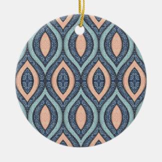 Elegante von Hand gezeichnete Verzierung des Keramik Ornament