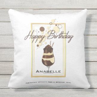 Eleganter Schokoladen-Vanille-Getränk-Geburtstag Kissen