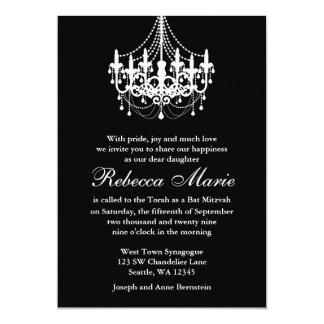 Eleganter Schwarzweiss-Leuchter-Schläger Mitzvah 12,7 X 17,8 Cm Einladungskarte