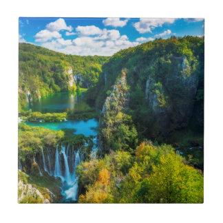 Eleganter Wasserfall landschaftlich, Kroatien Keramikfliese