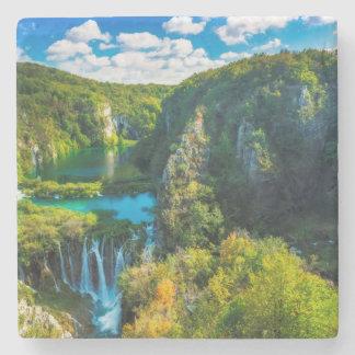 Eleganter Wasserfall landschaftlich, Kroatien Steinuntersetzer