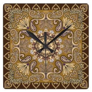 Elegantes beige Paisley-Muster Quadratische Wanduhr