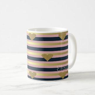 Elegantes Chic-Imitat-GoldGlittery Herzen auf Kaffeetasse