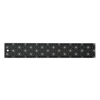 Elegantes geometrisches Muster - Silber u. Lineal