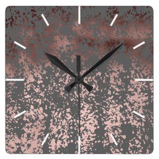 elegantes Imitat-Rosengold und graue Brushstrokes Quadratische Wanduhr