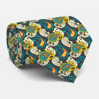 Elegantes mit Filigran geschmücktes Krawatte