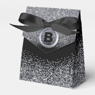 Elegantes Monogramm mit silbernem und schwarzem Geschenkschachtel