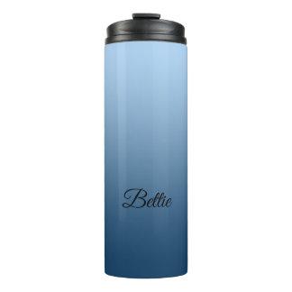 Elegantes neutrales Steigungs-Blau mit Thermosbecher
