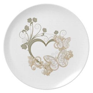 Elegantes Schmetterlings-und Blumen-Herz Party Teller