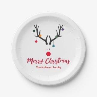 Elegantes und niedliches Weihnachtsren im weißen Pappteller