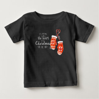 Elegantes Weihnachten im Shirt des Herz- 