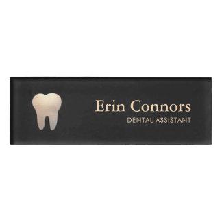 Elegantes Zahnarzthelfer-Zahnarzt-Zahn-Logo Namenschild