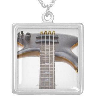 Elektrische Bass-Gitarre Versilberte Kette