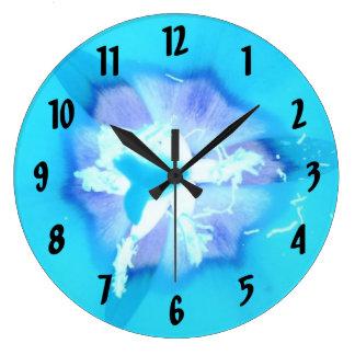 Elektrische blaue Tulpe Uhren