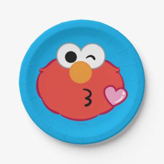 Elmo stellen das Werfen eines Kusses gegenüber Pappteller