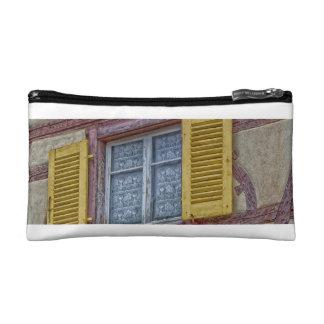 elsässische Häuser der Fassade der verschiedenen Makeup-Tasche