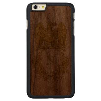 Emblem von Napoleon Bonaparte Carved® Walnut iPhone 6 Plus Hülle