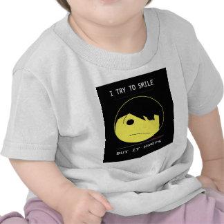 """EMO SMILEY (Emotioncons!!) """"verletzt, um zu T Shirt"""