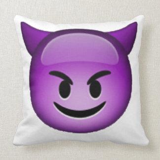 Emoji - lächelnder Kobold Kissen